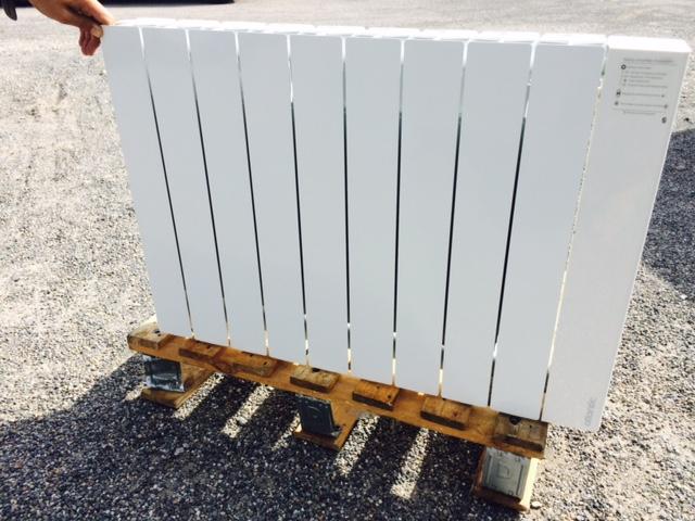 radiateur horizontal chaleur douce 1500w accessio digital atlantic 524715. Black Bedroom Furniture Sets. Home Design Ideas